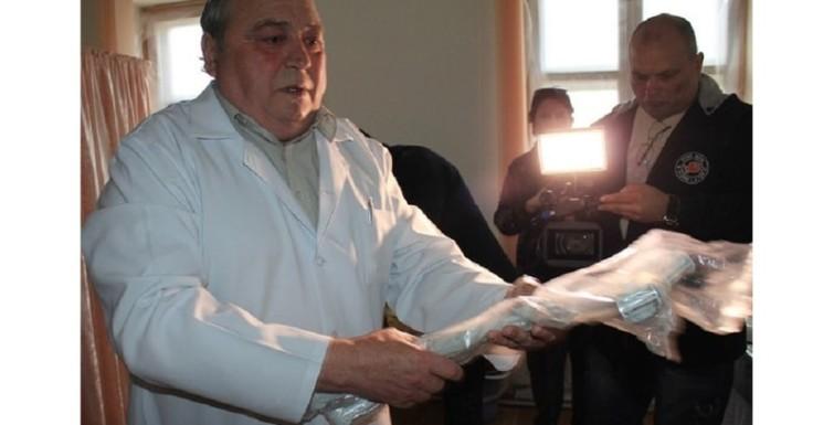 Олександр Урбанський зустрівся з котловинцями та привіз подарунок в амбулаторію