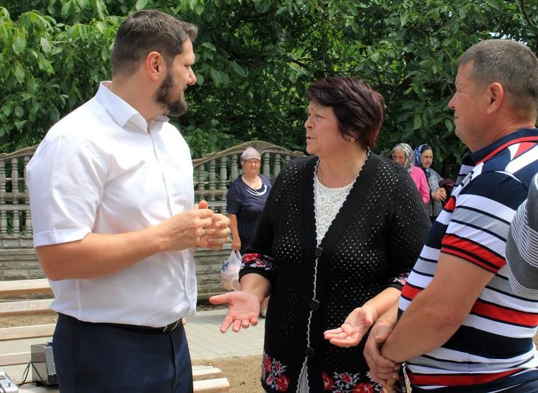 Александр Урбанский встретился с избирателями своего округа